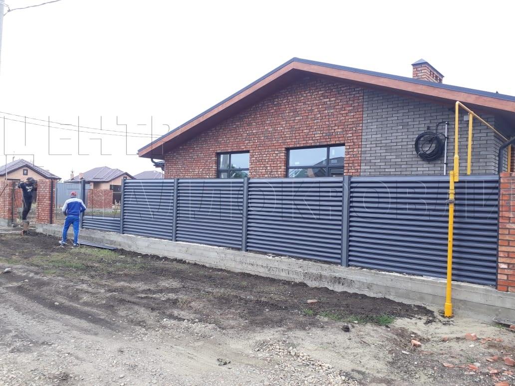 Монтаж забора жалюзи с Ламелями Еврожалюзи 7024 Серый Графит в Сочи