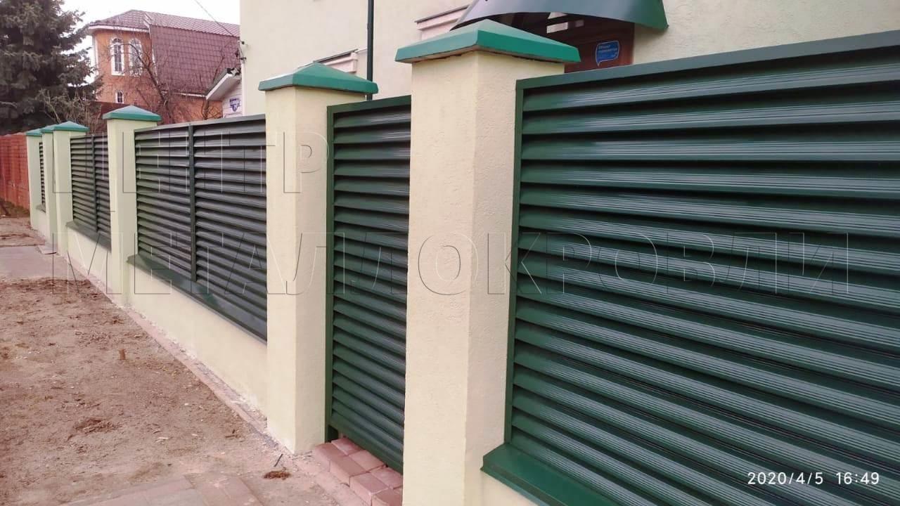 Забор — жалюзи с покрытием Полиэстер цвета Зелёный мох в Нижнем Новгороде