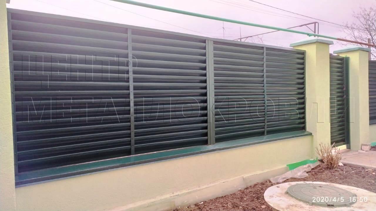 забор-жалюзи цвета Зелёный мох-1